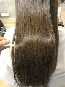 アンカラン(un Calin)の写真/【土浦】日本人の髪質に合わせて作られた『Aujua』あなたにピッタリの組み合わせで傷んだ髪も芯から補修♪