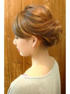 結婚式の髪型(ヘアアレンジ)  パーティーアレンジ~アシメスタイル~