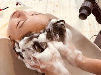 美容室カトレヤの写真/充実したヘッドスパメニューが自慢♪ヘアケアのスペシャリストたちの手で頭皮ケア+癒しのひと時を…☆