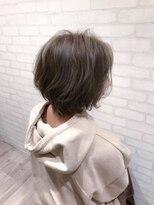ヘアメイク シュシュ(Hair make chou chou)ハイライトグレージュことりベージュ毛先パーマ30代40代
