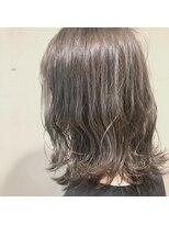 アルマヘアー(Alma hair by murasaki)トーンダウンで大人可愛いアッシュベージュ