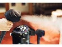 カラーやパーマやトリートメントの時には最高級ナノジェットスチームで髪をダメージから守ります。