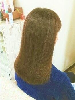 リサリサ(Risa Risa)の写真/髪質やお悩みに合わせて、豊富なトリートメントからご案内します♪栄養と潤いを与え美髪へと導きます。