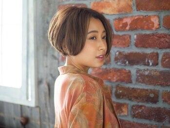 ヘアーサロン タカヒロ(Hair Salon TAKAHIRO)の写真/【三軒茶屋徒歩2分】 ファーストグレイにも対応した明るい白髪染め♪艶感のある綺麗な仕上がりに!