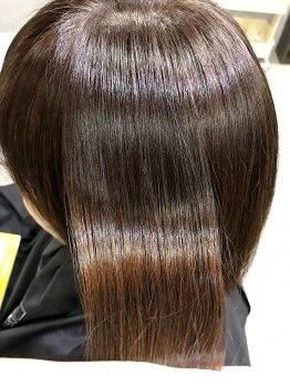 ゴエン(goen)の写真/【リピーター続出!!髪質改善ヘアエステ】11種類の高濃度美容液を髪質に合わせて調合し、丁寧に栄養を浸透♪