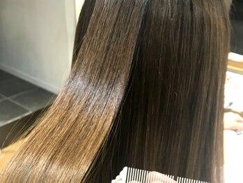 ハニー(HONEY by Chord)の写真/≪なりたい質感へ導く≫最高級Aujuaオーダーメイドケアで髪質改善◎自分だけの贅沢ケアで触れたくなる美髪!
