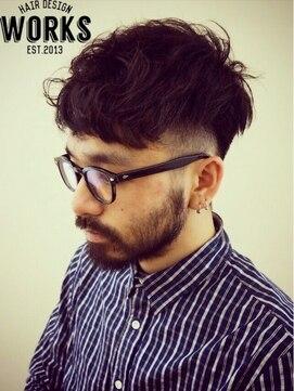 メンズ外国人風シルエット刈り上げパーマショートヘアー