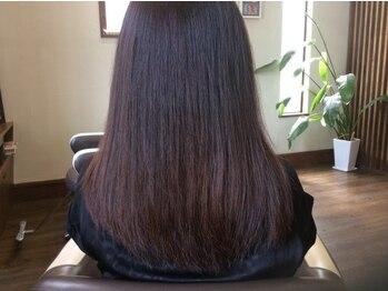 イデアヘアー(IDEA hair)の写真/【シルキーストレート】で手触り良く柔らかなツヤ髪へ。ダメージやクセ毛、髪の指通りが悪くゴワつく方に◎