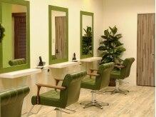 ヘアーサロン ベルカ(hair salon BELLKA)の雰囲気(緊張しやすいカット台がナチュラルカラーでリラックス空間!)