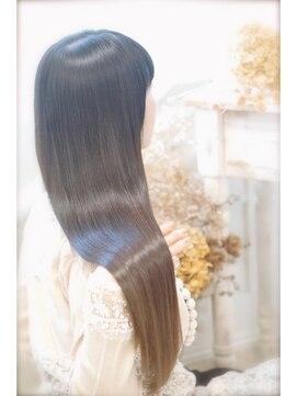 ヘアーアンドスパ リルト(Hair&Spa Lilt.)*Lilt.*ピコストレート