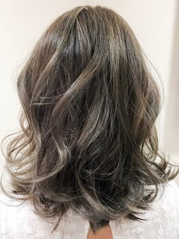 エムタニグチギンザ(M.TANIGUCHI GINZA)の写真/【銀座B4出口1分】高い技術をプチプラで体験☆ダメージレスで髪に優しく、艶感のあるヘアに仕上げます♪