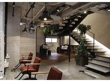 ジェム(gem by BUDDY HAIR)の雰囲気(2階フロアは5席とゆとりのある空間)