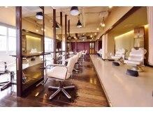ヘアープレイス ダブリュー 寝屋川店(HAIR PLACE W)の雰囲気(自然光がたっぷりと降り注ぐ癒しの空間となっております)