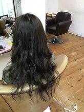 ヘアーコンテマシェリ(Hair conte Mcherie)透明感と艶のダークトーン
