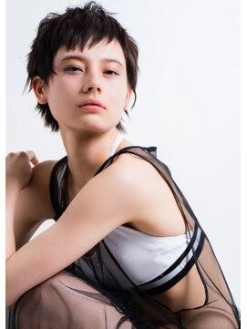 キャロル(CAROL)ベリーショート暗髪スタイル