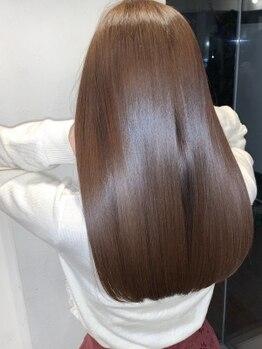 アールサロン ナゴヤ(Rr salon NAGOYA)の写真/驚異のトリートメント『ミネコラ』◆髪を深部から潤し、圧倒的なツヤ感となめらかな指通りを実現!
