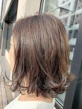 ジャガラ 千葉駅北口店(JAGARA)の写真/[美容液ブレンドのグレイカラー]色モチが抜群◎白髪染めでも重たく見えず透明感のある美髪に♪【千葉】