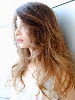 サロン ド ミカーサ(Salon De Micasa)の写真/ノンダメージ弱酸性カラー、外国人風カラー、白髪染めまでカラースペシャリストが最適なカラーをご提案!!