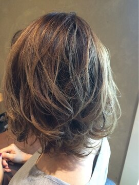ナチュラル ヘアーデザイニング(Natural hair designing)ラウンドグラデーションとバレヤージュ