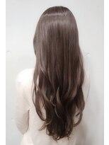 ビルギット(BIRGIT)艶髪ロング