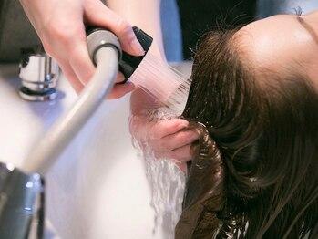 リリアン 表参道(relian)の写真/普段のシャンプーでは落としきれない頭皮、髪の毛の汚れを除去し【本来の美しさ】を引き出します☆