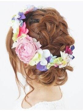 花冠の作り方・おすすめの髪型・ヘアアレンジ方法|結婚式安い
