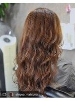 サックスヘアー(Saks hair)巻き髪ロング
