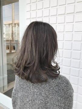 ジュ ダークグレー 【髪色】ダークグレージュカラーはブリーチなしでアッシュを重ねてつくる│浦和のボブ×美髪 パーソナル美容師