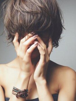 カッファ 東銀座(CUFFA)の写真/「気付けばワタシも白髪が…」ファーストグレイカラーのアプローチを一緒に。[東銀座/築地/新富町]