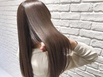 アッシュ アーティスティック スタジオ オブ ヘア(Ash artistic studio of hair)の写真/【高松の池入口】手触りが柔らかくてツヤ感たっぷり☆超人気の自然ナチュラルストレートでツヤ髪に♪
