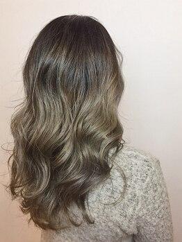 ドラマ(DORAMA)の写真/【3Dハイライト+カット+カラー+マイクロバブル】抜群の立体感と憧れの透明感で自慢したくなる髪色に