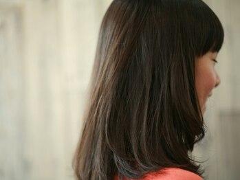 ツリー(Tree. Hair & Spa)の写真/【時短&ダメージケア】両方が魅力の縮毛矯正はTree.の大人気メニュー!かけ直しの心配がいらない正確さが◎