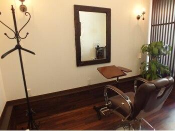 """クオラヘアーイノベーション(CUORA Hair Innovation)の写真/家族で貸切りもできるプライベートサロン☆本通の路地を入った""""隠れ家""""で特別な贅沢時間が味わえる!"""