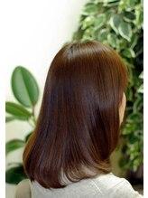 髪の美しさに徹底したケアと施術を。