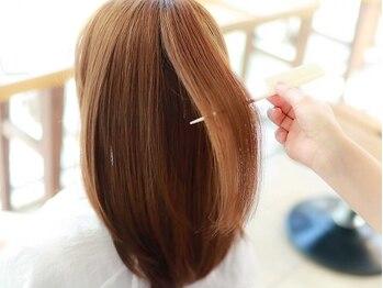 マアムジーコネクション(ma'am zee Connection.)の写真/【Aujua取扱いサロン】傷んだキューティクルも内側から徹底補修♪あなたに合わせたケアで理想のうる艶髪に!
