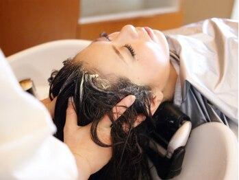 """ムードコア 関内店(mu;d Coa)の写真/疲労改善&髪ケアを叶える♪気温や環境の変化に伴う""""抜け毛""""…癒やされながら頭皮を整えましょう[関内駅]"""