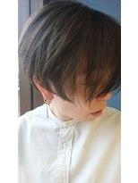 クブヘアー(kubu hair)《Kubu hair》グレイ大人カラーショート