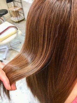 イザワ ヘアメイクサロン(izawa)の写真/【多治見】輝髪で天使の輪!!繰り返されたストレートやカラーでボロボロになった髪を綺麗に修復します☆
