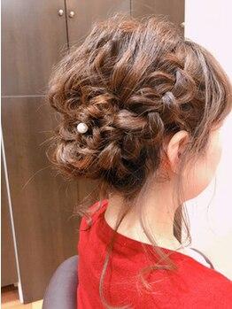 エルザ ヘア(ERUZA HAIR)の写真/大切な日はプロの技術で1日崩れずスタイル長持ち★結婚式・2次会などあなたのキレイをお手伝い♪