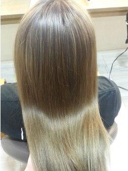 染め家 茨木店の写真/傷んだ髪に栄養補給♪カラーの発色・ツヤ感もUPして、ワンランク上のカラースタイルを叶えてくれる!