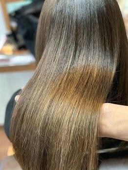 ラフィール(roughire)の写真/《ダメージレス縮毛矯正◆美革ストレート》今までの縮毛矯正とは違う!艶と手触りが格別◎