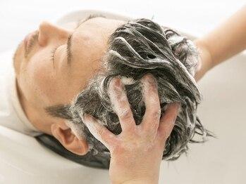 グラスヘア 流川店(Grass Hair)の写真/《メンズ限定》「もしかして臭う?」徹底的に頭皮ケアができるヘッドスパで、自宅や職場でも気にならない!