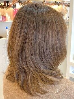 ステラ 嵯峨店(stella)の写真/髪や頭皮に優しいオーガニックカラーを使用◆ツヤと透明感を与え、洗練された上品な印象に―