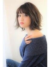 ヘアー ロギア(hair LOGiA)★hair LOGiA★ 〇やわらか質感の大人かわいいショート