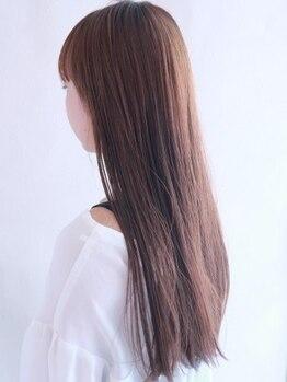 ナチュラルヴィーノ(Natural vino)の写真/髪の内部まで水分を栄養補給し、髪質改善をしながら自然なヘアスタイルに仕上がる◎