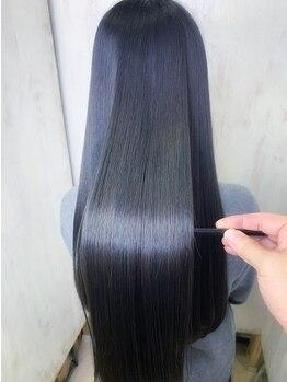 アンフィドットドゥルドゥ(AnFye.dueldo)の写真/ココでしかできない髪質改善メニューでうねりやくせを解消!指通り抜群の今までにない手触り♪