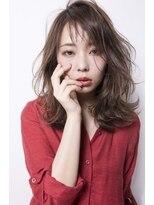 シーンエスト(sCene EST)☆sCene☆ ラフに毛先が揺れるミディアムヘア 【イルミナカラー