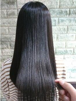 ヒップスデコ(Hip's deco)の写真/≪髪質改善≫話題の髪質改善ヘアエステで、まとまりのある艶髪に♪カラーの繰り返しで傷んだ髪にも◎