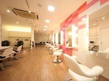ヘアーアンドカラー ミヤ 桑園駅前店(hair & color MIYA)の雰囲気(清潔感ある内装でゆっくりお過ごし下さい!)