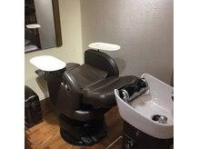 プライベートサロンルシア(Private Salon Lucia)の雰囲気(シャンプーポジションです。一つの席で全ての技術を行います。)